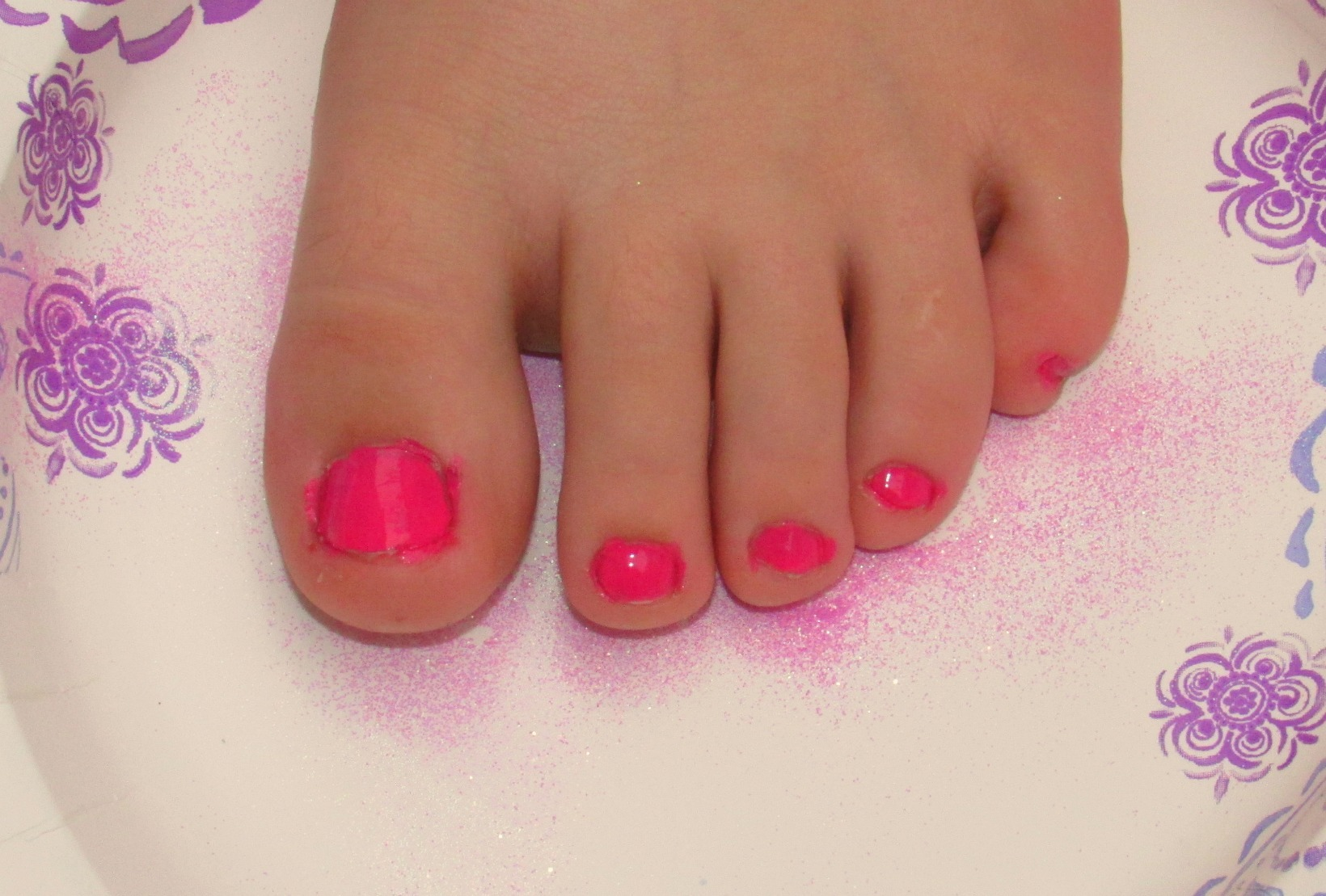 DIY Glitter Toes - Quick and Easy Sparkly Nails That Will Last for Weeks