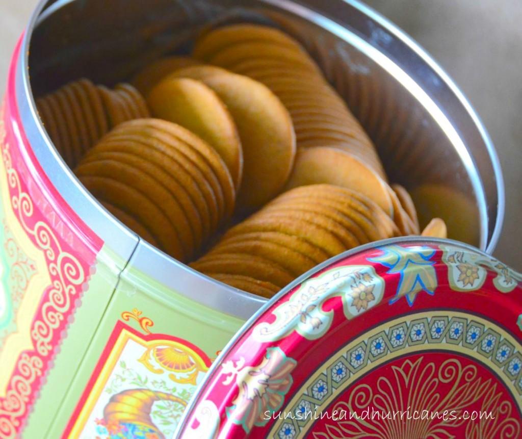 Easy Pumpkin Dip with Ginger Cookies