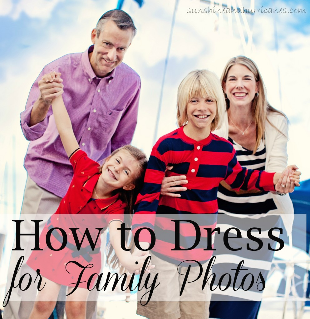 You Don't Have to Be Style Savvy to Choose Clothes that Create Unique and Fun Family Photos. Get tips for: How to Dress for Family Photos.