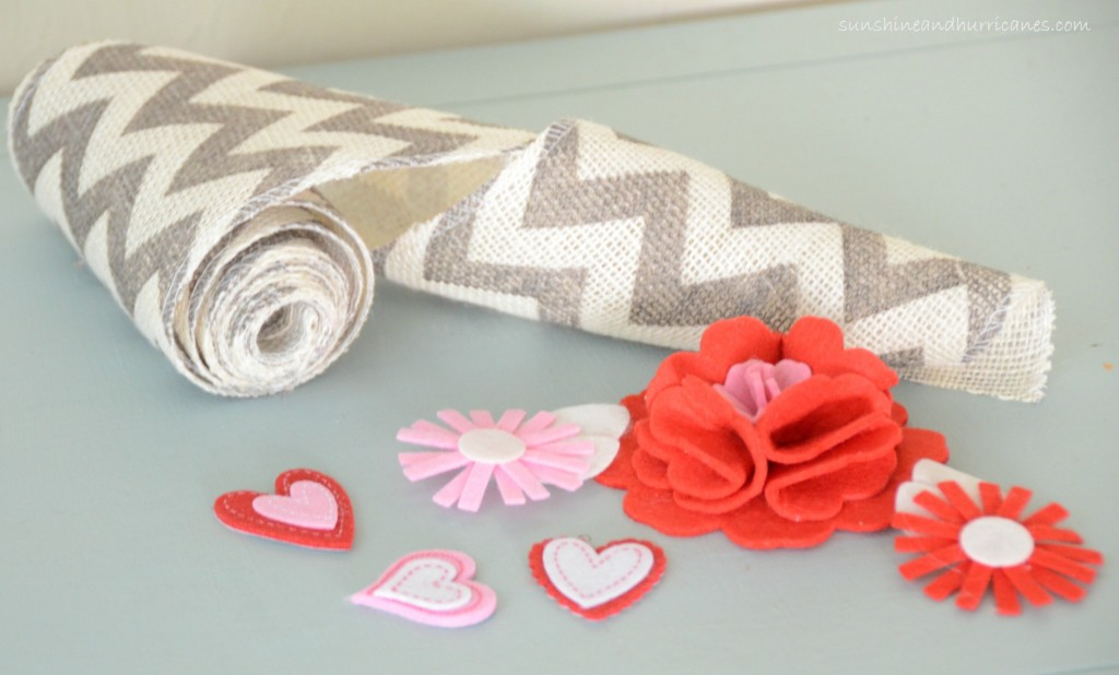 Simple 15 Minute Valentine's Day Wreath Supplies