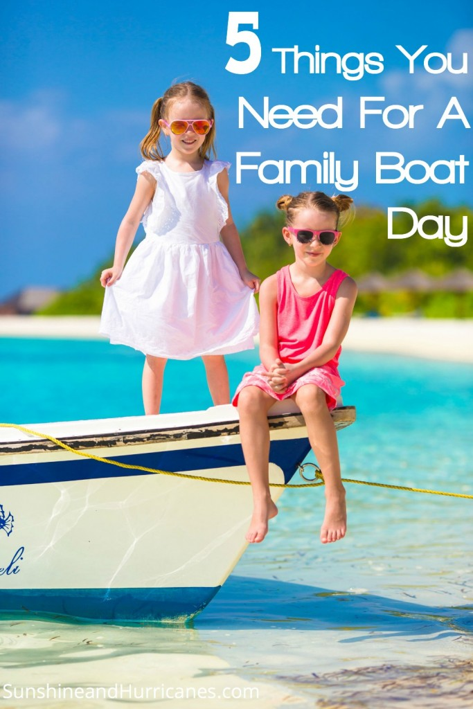 You'll be ready to enjoy a day of fun on the lake or ocean when you know 5 Things To Pack For A Family Boat Day! Fresh ideas for families with kids.