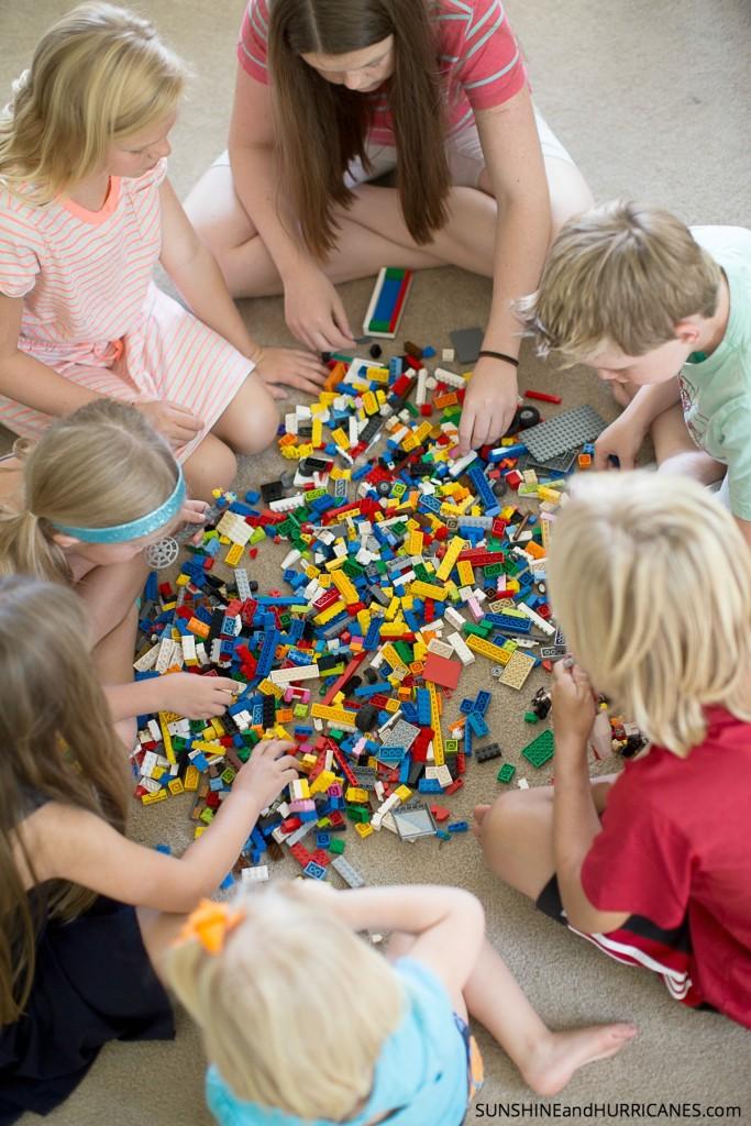 Lego Minion. SunshineandHurricanes.com