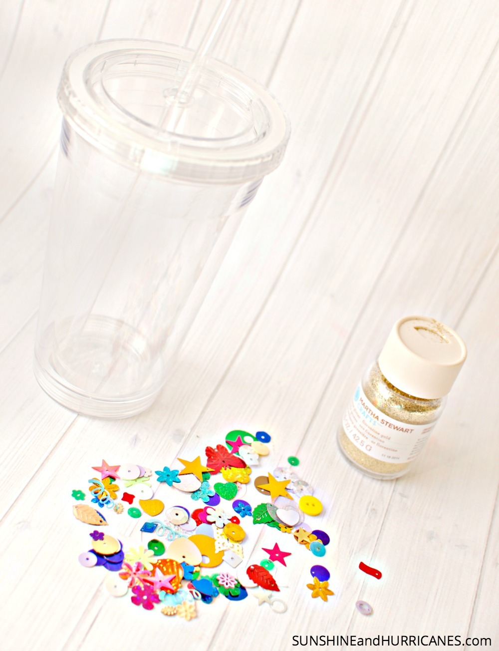 Crafts for Teens and Tweens Sparkle Tumblers. SunshineandHurricanes.com