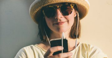 Cell Phone Rules For Tweens and Teens