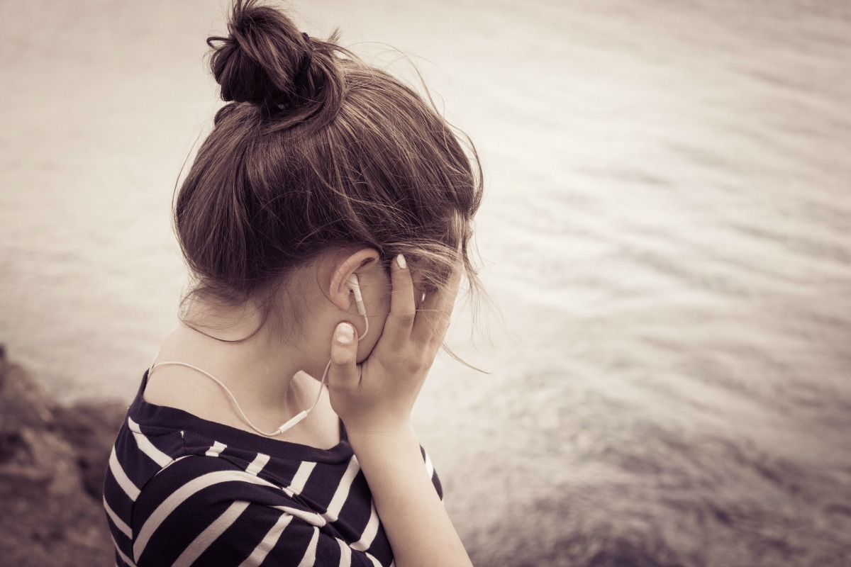 Struggling with disrespectful teens? Bring harmony back to your household with these 5 surefire ways to soothe your surly tween or teen. SunshineandHurricanes.com