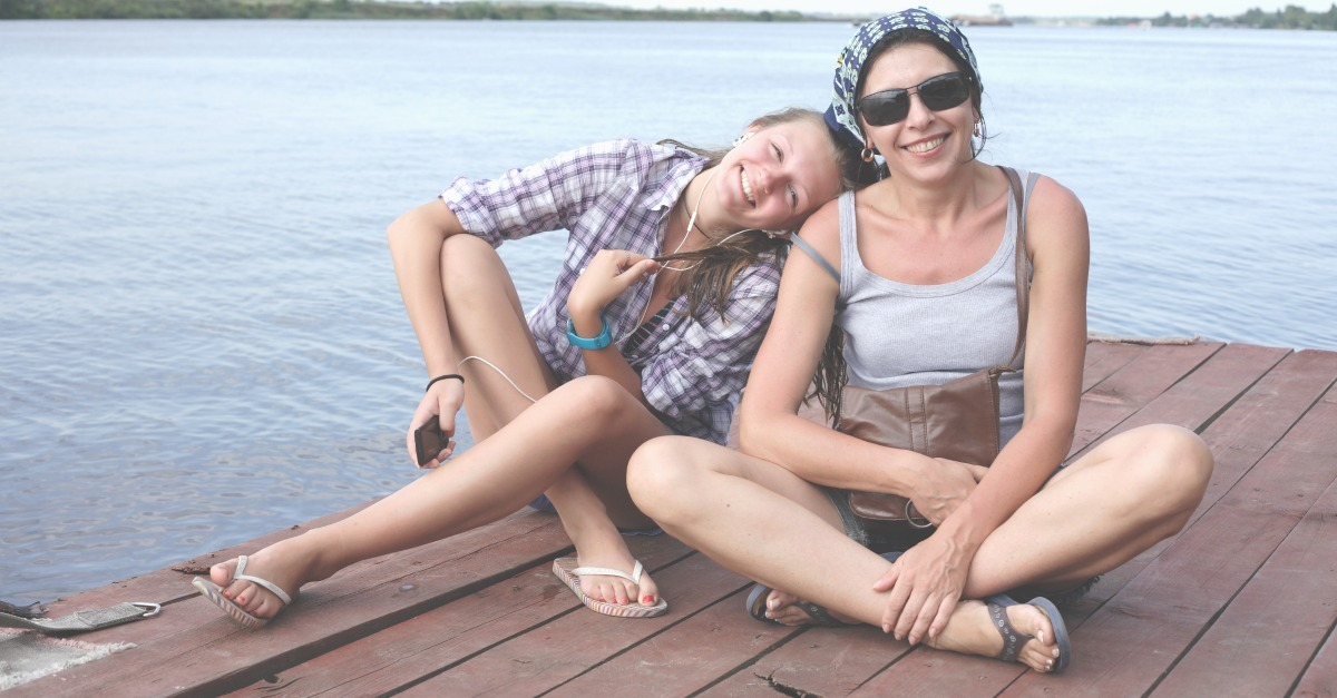 Are you worried that you and your tween or teen daughter are not connected the way you used to be? These 5 easy ways to build a strong mother daughter relationship will help get you through these more challenging years together. SunshineandHurricanes.com
