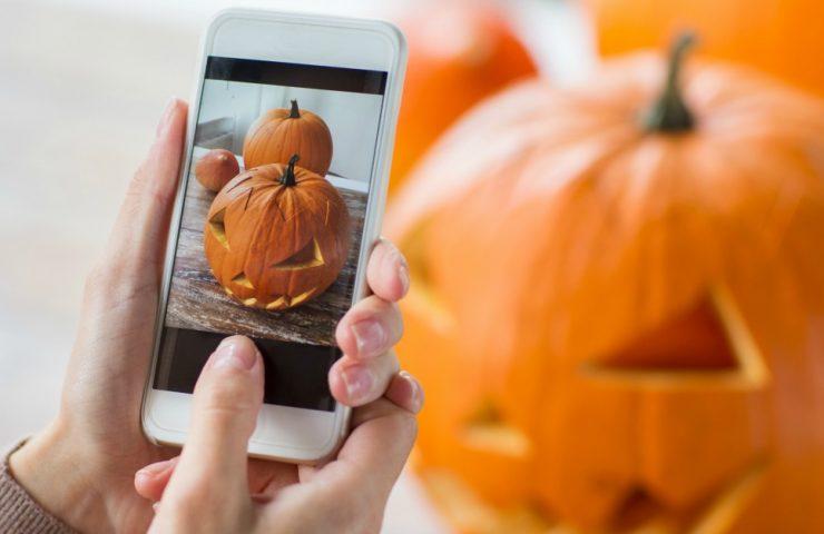 Halloween Photo Scavenger Hunt for Teens and Tweens