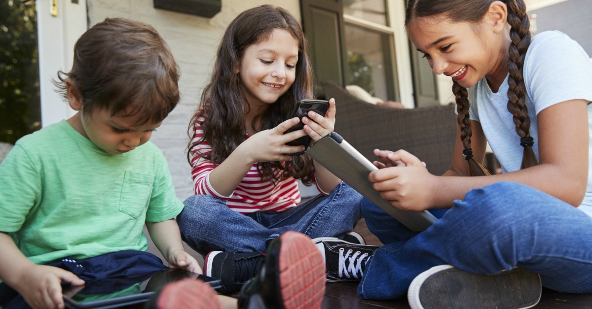 How To Set Meaningful Technology Rules For Your Family That Work