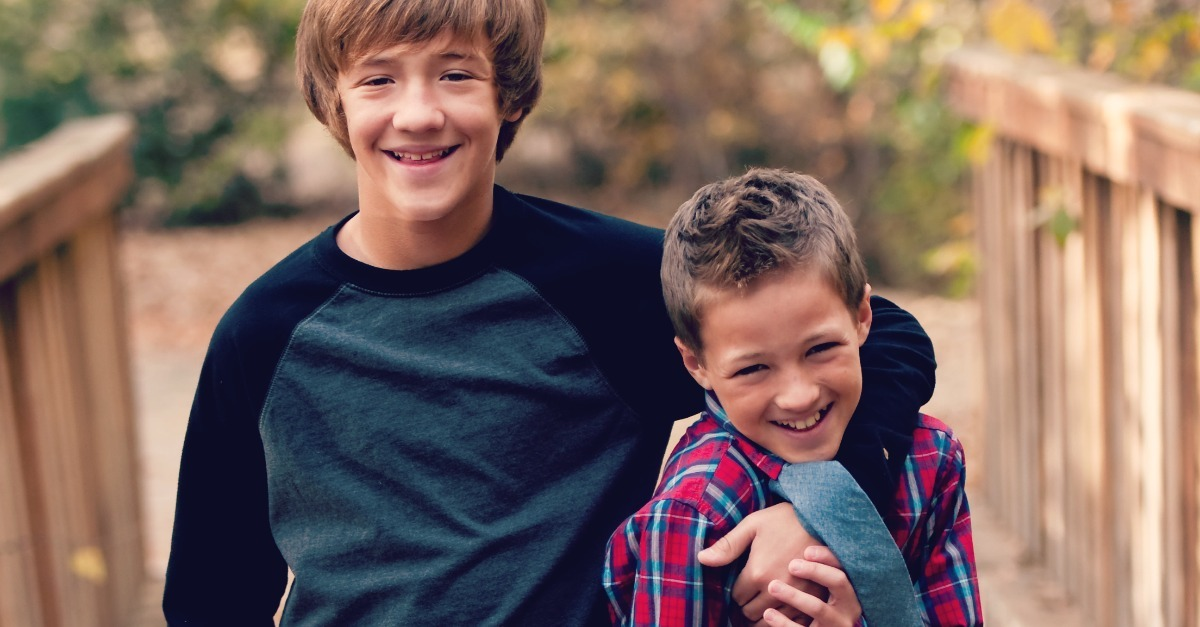 How Sibling Relationships Change In The Teen Years and How Moms Can Help