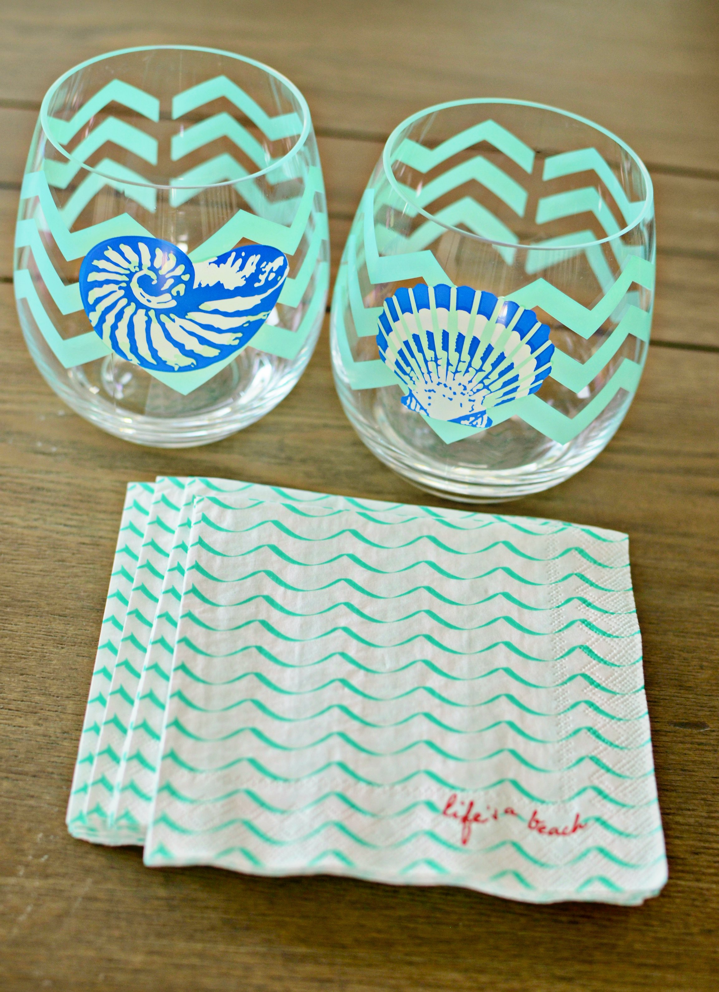 Hostess Gift Ideas - Match a set of stemless wine glasses with coordinating cocktail napkins. This set is from Bealls Florida.